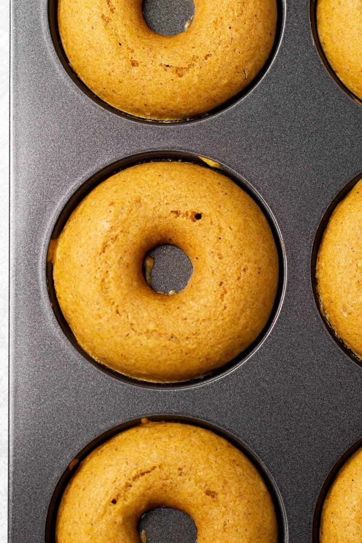 Baked Pumpkin Doughnuts with Maple Cinnamon Glaze