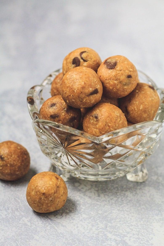 No-Bake Peanut Butter Protein Balls